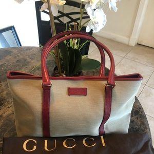 100% Authentic Gucci Shoulderbag